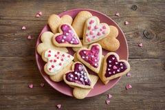 Galletas para el día del ` s de la tarjeta del día de San Valentín Imágenes de archivo libres de regalías
