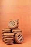 Galletas redondas del bocadillo con el relleno de la vainilla Foto de archivo