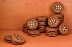 Galletas redondas del bocadillo con el relleno de la vainilla Imagenes de archivo