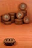 Galletas redondas del bocadillo con el relleno de la vainilla Fotografía de archivo libre de regalías