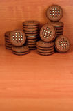 Galletas redondas del bocadillo con el relleno de la vainilla Foto de archivo libre de regalías