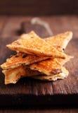 Galletas saladas y x28; crackers& x29; Foto de archivo libre de regalías