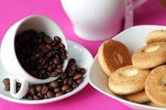 Galletas y café Imágenes de archivo libres de regalías