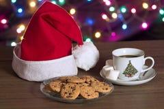 Galletas y café en la Navidad Foto de archivo