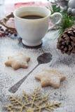 Galletas y café para Santa Claus Foto de archivo