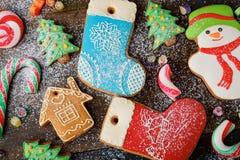 Galletas y caramelo multicolores del pan de jengibre Fotografía de archivo