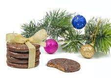 Galletas y decoraciones de la Navidad Foto de archivo