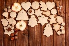 Galletas y especia hechas en casa de la Navidad Fotos de archivo