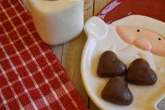 Galletas y leche para Santa Foto de archivo libre de regalías