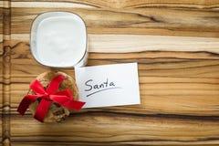 Galletas y leche para Santa Imagen de archivo libre de regalías