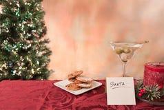 Galletas y martini para santa Fotografía de archivo
