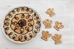 Galletas y pastel de queso del pan de jengibre imagen de archivo libre de regalías