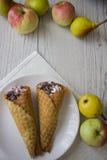 Galletas y peras vienesas Fotos de archivo