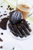 Galletas y taza de café Imágenes de archivo libres de regalías