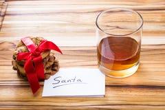 Galletas y whisky para santa Fotografía de archivo