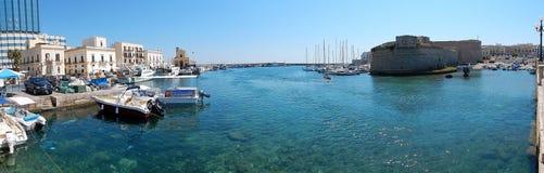 Gallipoli - panoramica del porto immagini stock
