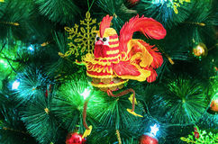Gallo del efectivo - el símbolo del Año Nuevo 2017 Imagen de archivo