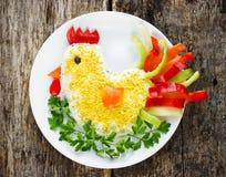 Gallo a forma di insalata per il nuovo anno 2017 Immagini Stock