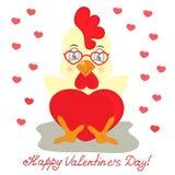 Gallo giallo in vetri con cuore rosso Congratulazioni al giorno del ` s del biglietto di S. Valentino della st Immagini Stock Libere da Diritti