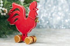 Gallo rojo de madera Año Nuevo del gallo Imágenes de archivo libres de regalías