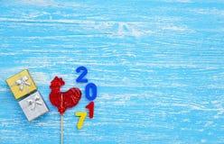 Gallo rojo, símbolo de 2017 en el calendario chino Fotos de archivo libres de regalías