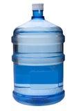Gallone dell'acqua con il percorso di residuo della potatura meccanica immagini stock