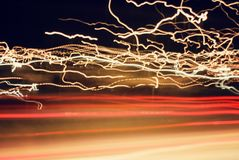 Galna billjus i huvudväg arkivbilder