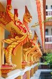 Galo dourado no templo do cambodian da decoração Foto de Stock Royalty Free