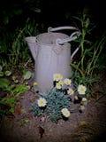Galvaniserat arbeta i trädgården tillbringaren royaltyfri foto