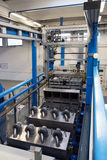 Galvanização em uma fábrica de conectores bondes imagem de stock royalty free