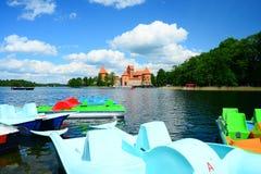 Galvesmeer en boten in de meermening Stock Foto