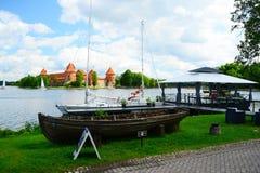 Galvesmeer en boten in de meermening Stock Foto's