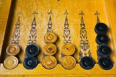 Gamão de madeira do jogo de mesa do vintage do leste Imagens de Stock Royalty Free
