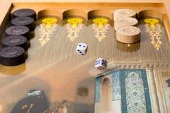 Gamão do jogo de mesa fotografia de stock royalty free