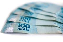 Gama de moneda del brasileño 100 Imagen de archivo libre de regalías
