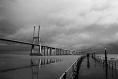 Gama de Vasco a Dinamarca da ponte fotos de stock royalty free