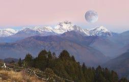 Gama Himalayan, mañana de las montañas de Himalaya Fotografía de archivo