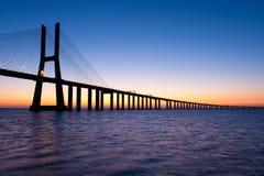 Gama Lisbona Portogallo di Vasco da del ponticello Fotografie Stock