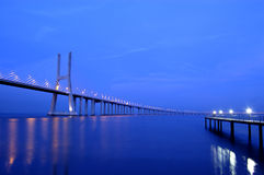 Gama van Vasco DA brug, Grootste brug van Europa Stock Foto's