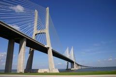 Gama van Vasco DA brug in Lissabon Stock Afbeeldingen