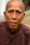 Gamal man i Mandalay Arkivbild