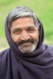 Gamal manstående Fotografering för Bildbyråer