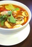 Gamba de Tom yum, sopa popular tailandesa. imágenes de archivo libres de regalías