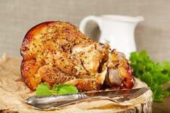 Gamba della carne di maiale arrostita con senape Immagine Stock