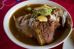 Gamba stufata della carne di maiale, colpo dello studio Fotografie Stock Libere da Diritti