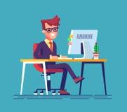 Gambe di seduta dell'uomo attraversate e che scrivono qualcosa a macchina Immagine Stock