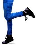 Gambe realistiche della donna della foto in jeans e scarpe royalty illustrazione gratis