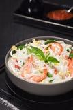 Gamberetto asiatico Basil Chili Noodle Soup Immagine Stock