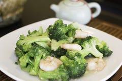 Gamberetto con i broccoli Fotografie Stock Libere da Diritti
