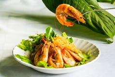 Gamberetto con la tagliatella del fagiolo in piatto tailandese Fotografie Stock